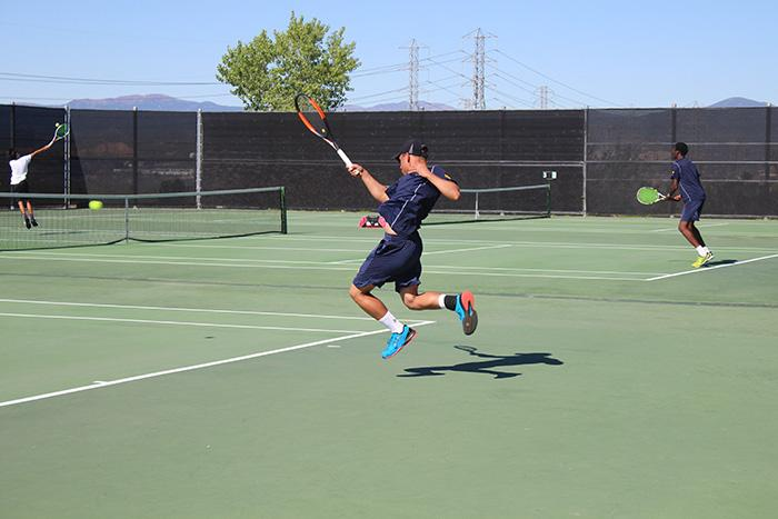 Boy's Tennis Gets an Easy Win Against Valencia