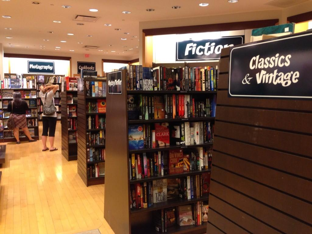 $10 or Less Bookstore opens in Valencia - The Paw Print