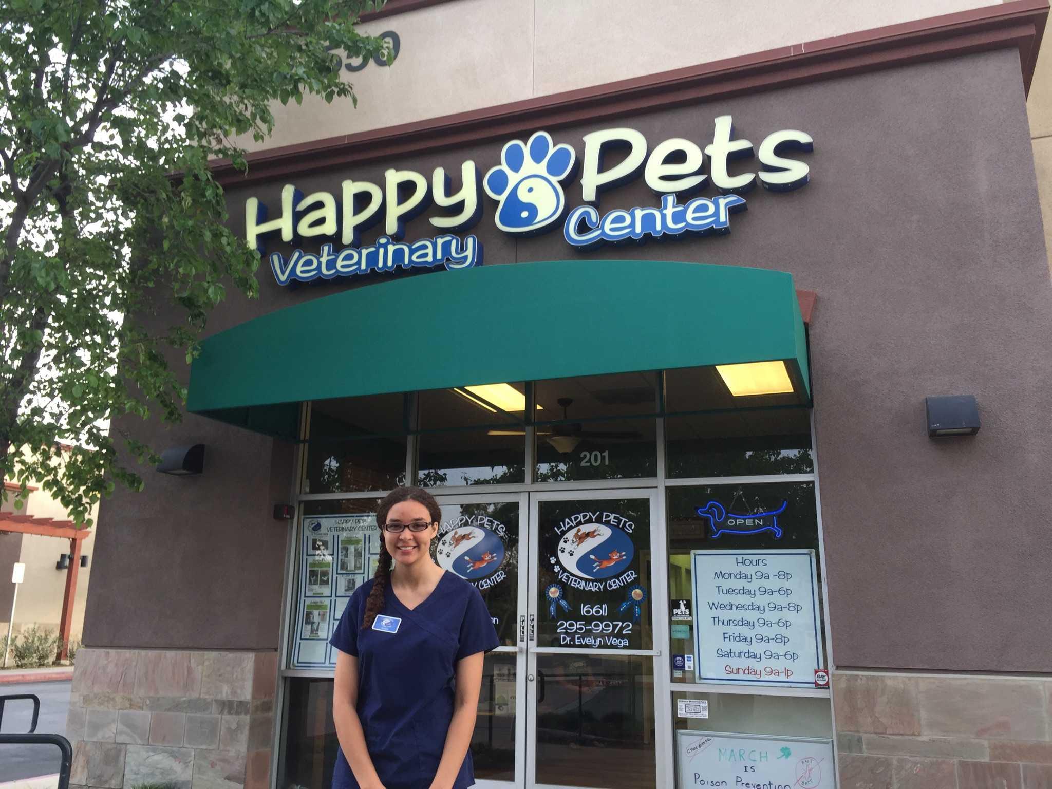 Amaya Watters interns at Happy Pets Veterinary Center in Valencia.