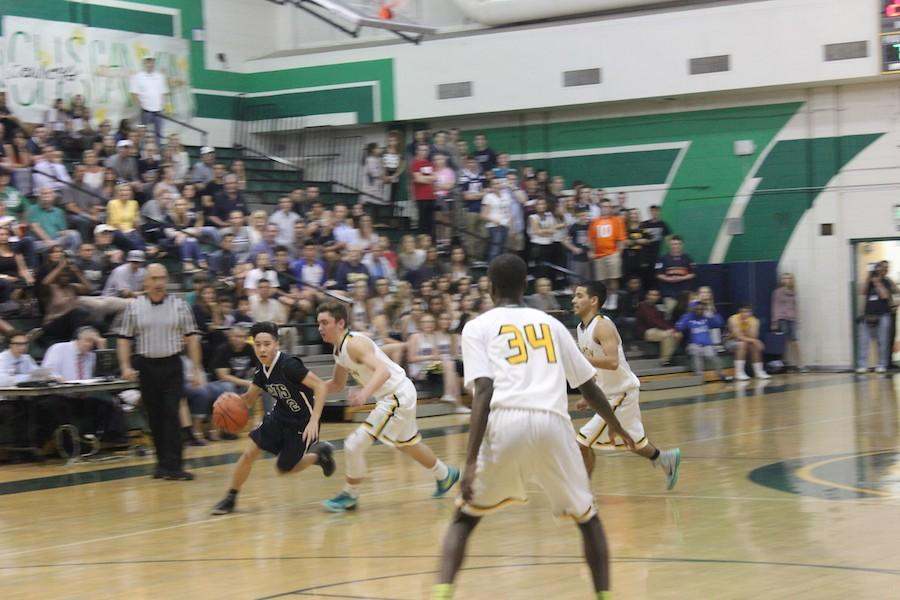 Boys Basketball loses to Canyon during the last second of the game