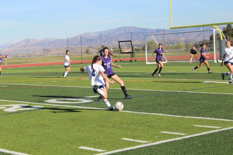 Girls' Soccer Ties with Valencia 1-1