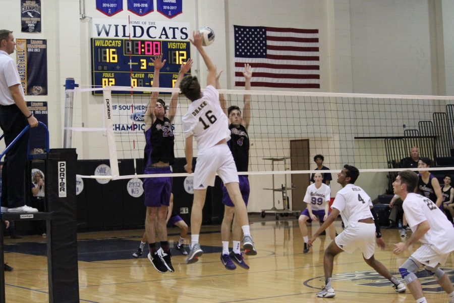 Boys volleyball crushes Valencia