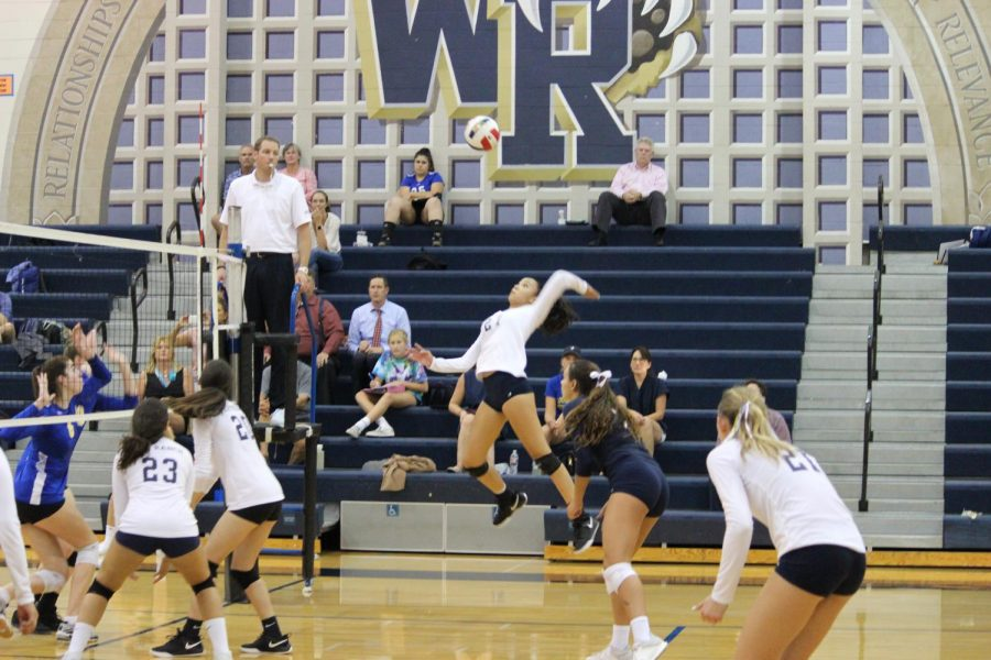 Girls' Volleyball Falls to Louisville