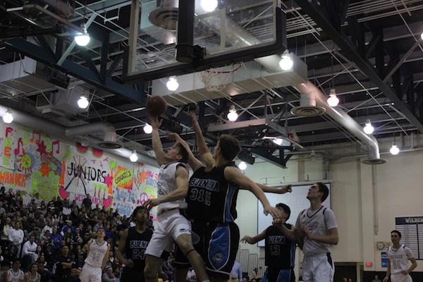 Boys Basketball defeats Buena
