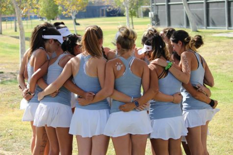 Varsity Girls Tennis Beats Valencia after a Heartfelt Senior Night